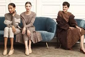 Стильные модели вязаных платьев 2019-2020. Вязаные мини платья как тренд сезона!